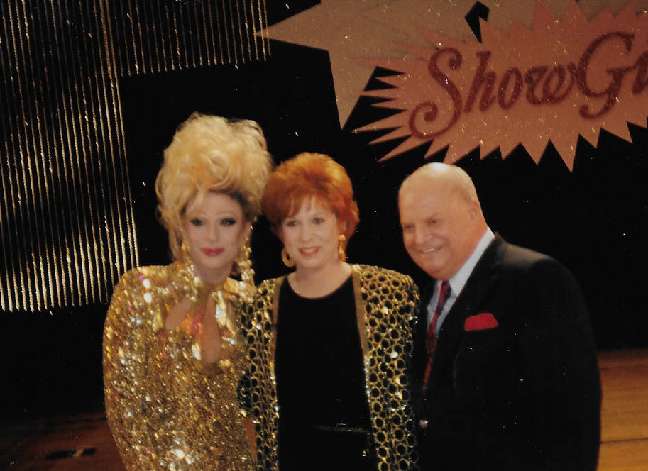 """Frank Marino, Vicki Lawrence and Don Rickles are shown during a taping of """"Vicki!' at Desert Inn. (Photo Alex Schechter)"""