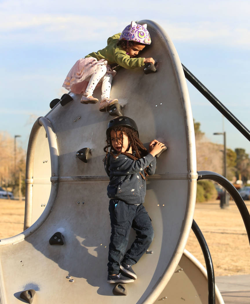 Zoé Tesfai, 4, and her brother Zion play at Sunset Park playground on Friday, Jan. 19, 2017, in Las Vegas. (Bizuayehu Tesfaye/Las Vegas Review-Journal) @bizutesfaye