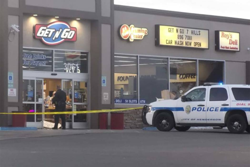 Henderson police are investigating a possible robbery at the Get n Go at 3061 St. Rose Parkway. (Max Michor/Las Vegas Review-Journal)