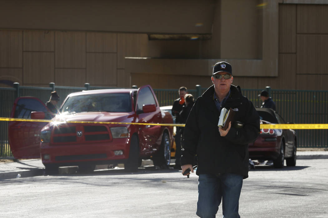 Las Vegas police investigate a murder-suicide in Las Vegas, Jan. 20, 2018. Andrea Cornejo Las Vegas Review-Journal @DreaCornejo
