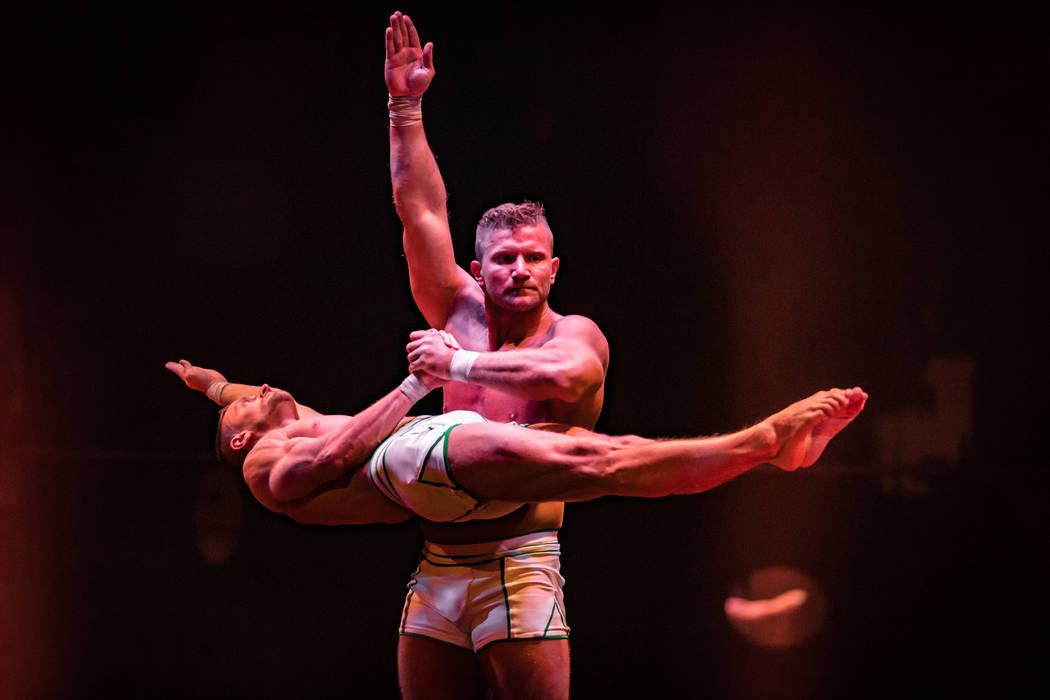 """Lucasz Szczerba puts the grip to Misha Furmanczyk in """"Absinthe"""" at Caesars Palace. (Erik Kabik)"""