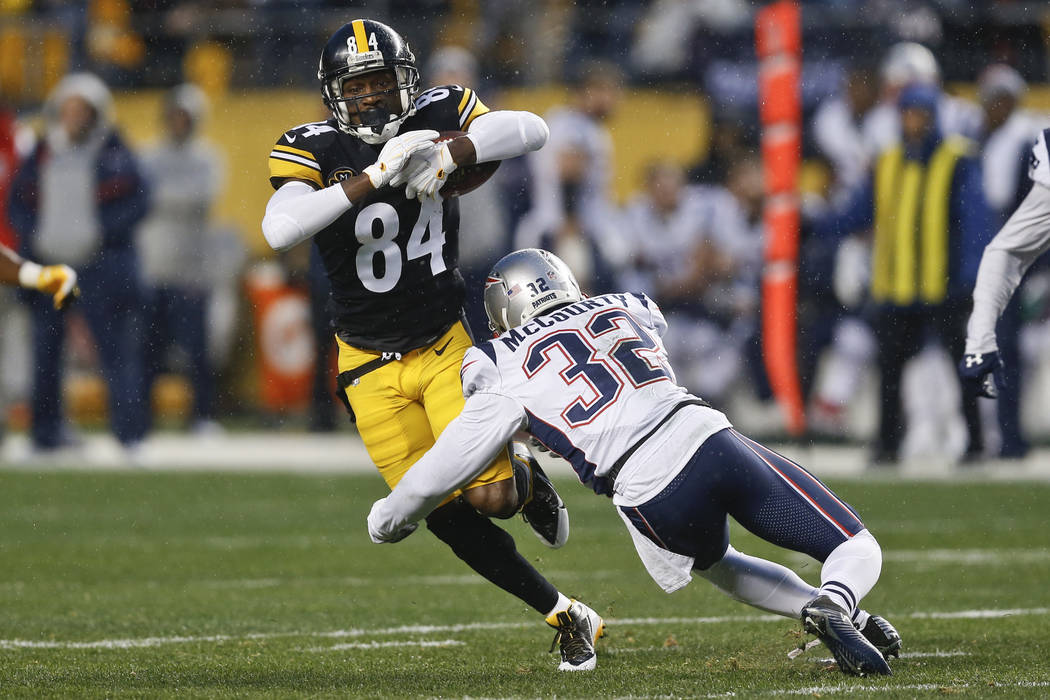 Pittsburgh Steelers wide receiver Antonio Brown (84) plays against the New England Patriots during the first half of an NFL football game in Pittsburgh, Sunday, Dec. 17, 2017. (AP Photo/Keith Srak ...