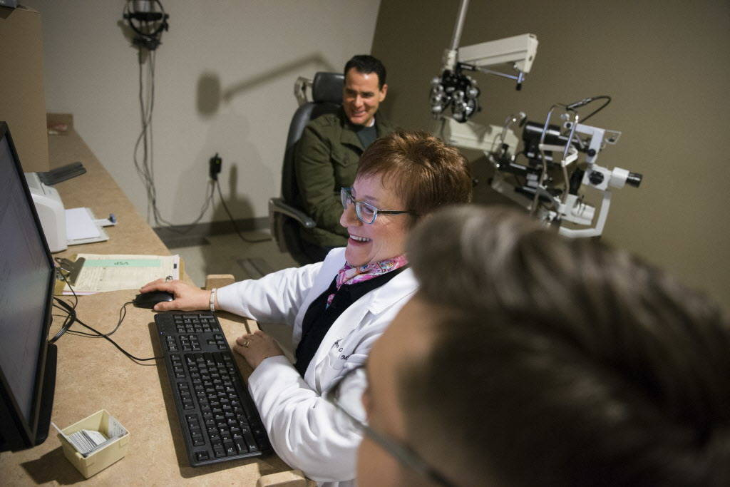 Dr. Carolyn Cruvant, center, during an eye exam consultation with a patient at Shepherd Eye Center in Las Vegas, Friday, Dec. 29, 2017. Erik Verduzco/Las Vegas Review-Journal