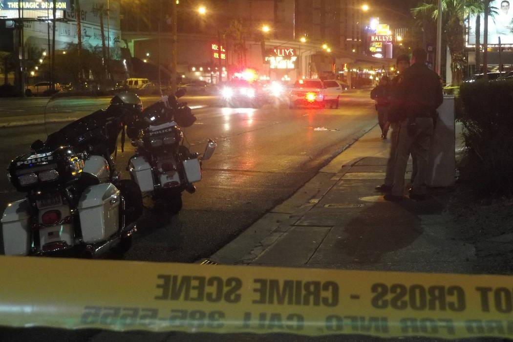 Las Vegas police investigate a crash on Flamingo Road near Koval Lane  Wednesday morning, Jan. 3, 2018. (Max Michor/Las Vegas Review-Journal)
