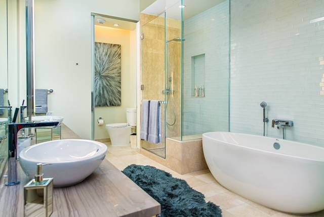The Veer Towers penthouse's master bath features a deep soaking tub. (Veer Towers)