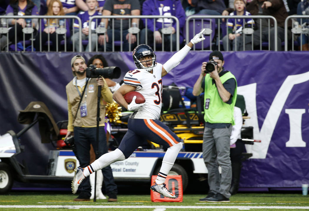 Chicago Bears cornerback Bryce Callahan returns a punt for a touchdown during the first half of an NFL football game against the Minnesota Vikings, Sunday, Dec. 31, 2017, in Minneapolis. (AP Photo ...
