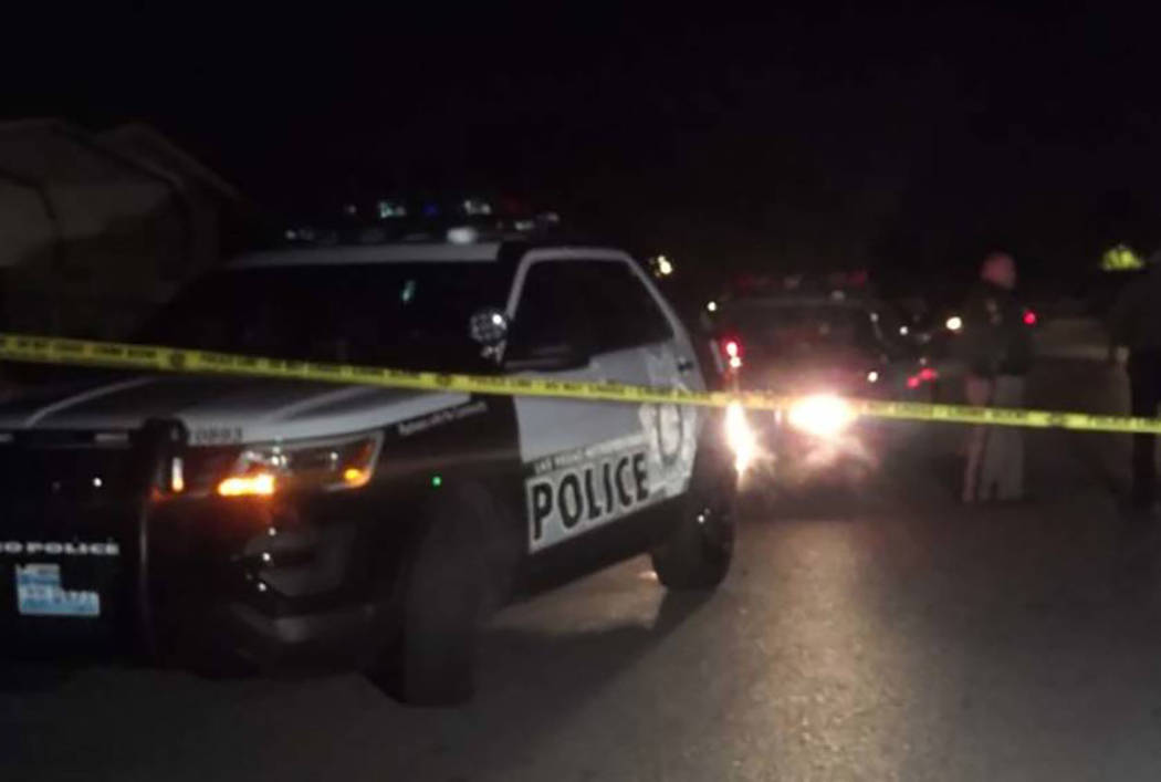Las Vegas police investigate a shooting at a trailer in the southeast valley that left one man dead Dec. 12, 2017. (Max Michor/Las Vegas Review-Journal)