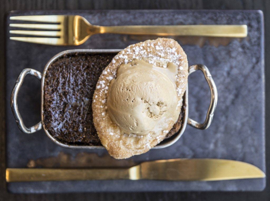Sticky toffee pudding at Hell's Kitchen on Sunday, January 7, 2018, at Caesars Palace hotel-casino, in Las Vegas. Benjamin Hager Las Vegas Review-Journal @benjaminhphoto