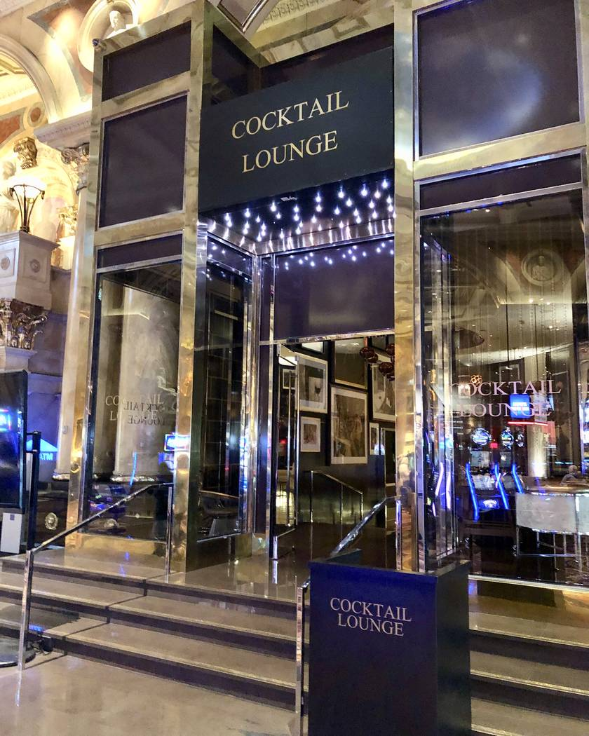 Fizz at Caesars Palace is now a cocktail lounge called ... Cocktail Lounge. (John Katsilometes/Las Vegas Review-Journal) @JohnnyKats