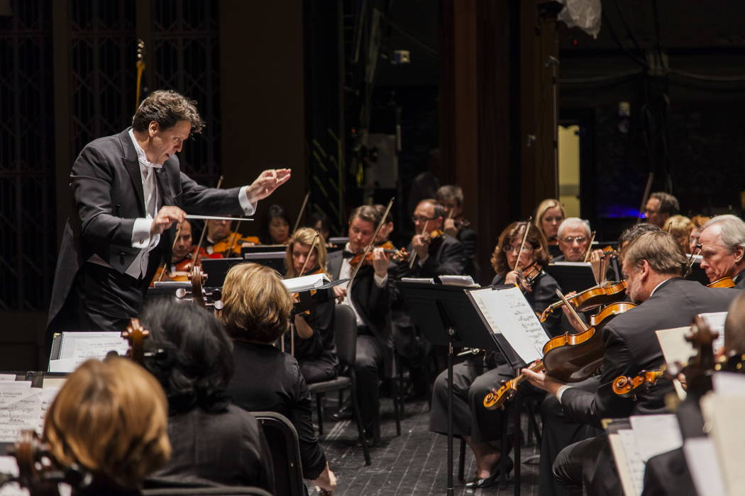 Donato Cabrera conducts the Las Vegas Philharmonic. (Credit: Las Vegas Philharmonic)