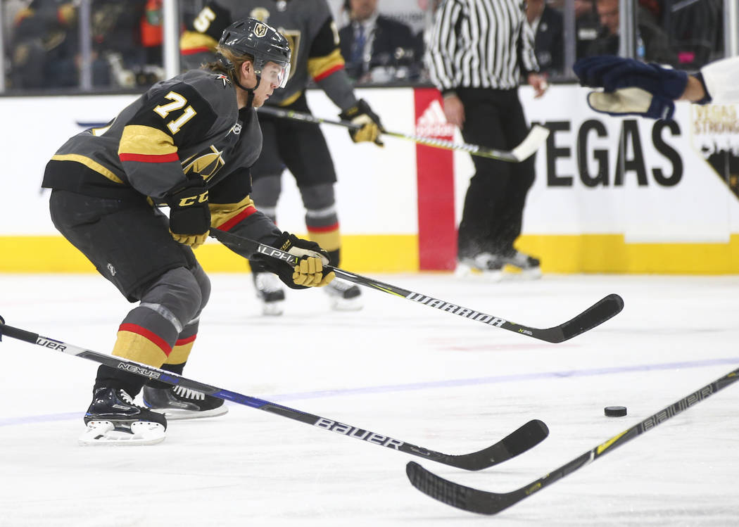 Golden Knights  William Karlsson (71) moves the puck against the Florida  Panthers during afe328516