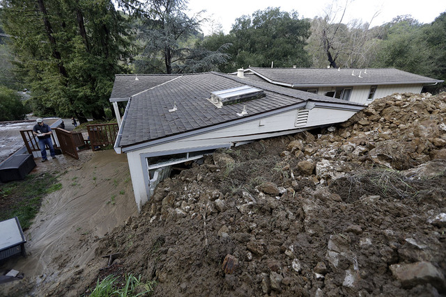 California mudslides demolish homes, five deaths reported