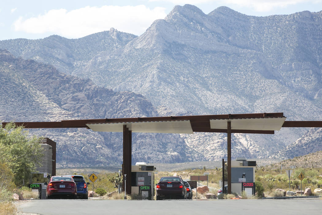 Visitors enter the scenic loop at Red Rock Canyon National Conservation Area on Tuesday, Aug. 22, 2017, in Las Vegas. Bridget Bennett Las Vegas Review-Journal @bridgetkbennett