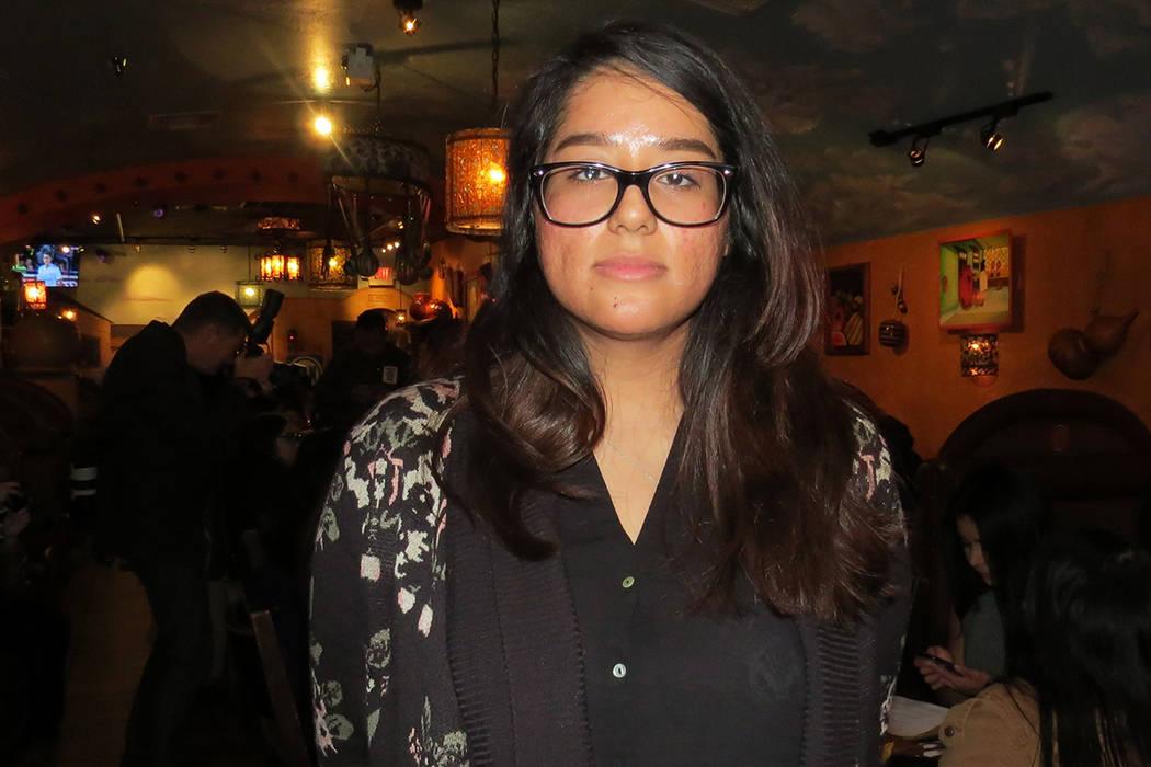 """""""Que sienta algo por nuestra causa y vea que no solo somos inmigrantes"""": Zulma Rico, beneficiaria de DACA. 4 de enero del 2018 en el restaurante Lindo Michoacán.   Foto Anthony Avellaneda / E ..."""
