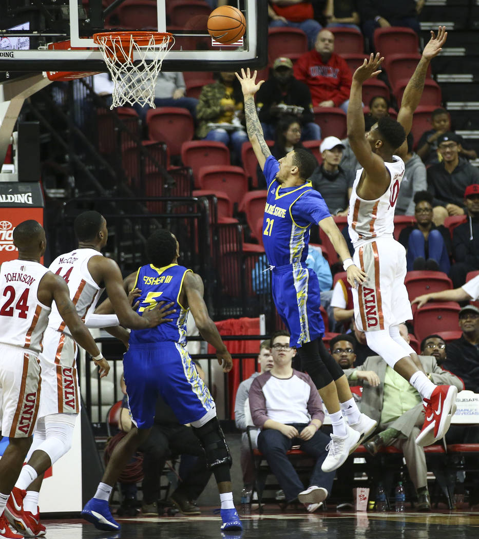 San Jose State Spartans guard Jalen James (21) shoots to score against UNLV during a basketball game at the Thomas & Mack Center in Las Vegas on Wednesday, Jan. 31, 2018. Chase Stevens Las Veg ...