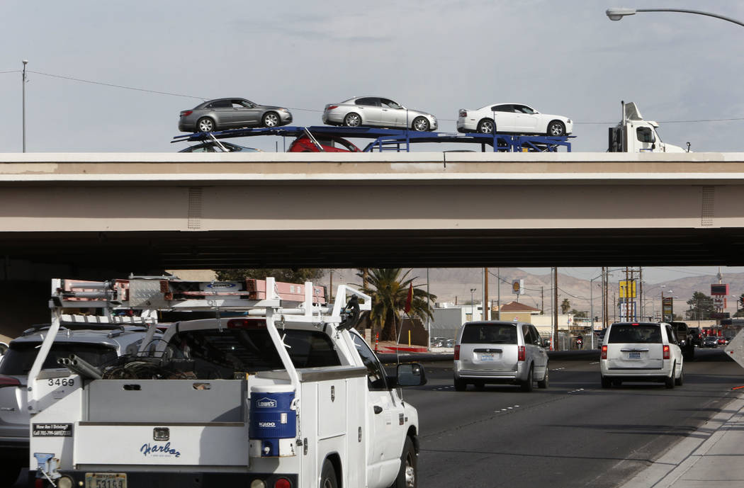 Motorist travel on and under Interstate 95 southbound bridge near Desert Inn Road on Thursday, Feb. 1, 2018, in Las Vegas. Bizuayehu Tesfaye/Las Vegas Review-Journal @bizutesfaye