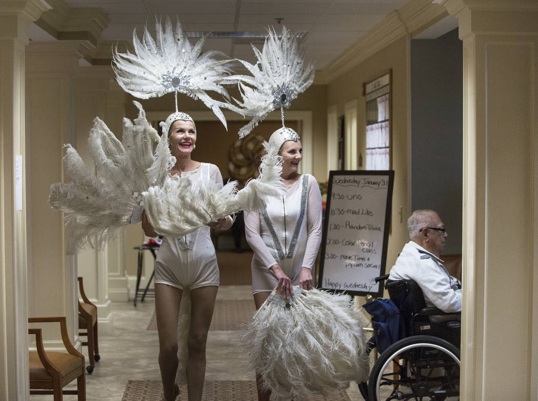 Troy Stern, left, and Donna Browning are introduced during an event hosted by the Ms. Senior Nevada organization at The Bridge at Paradise Valley on Tuesday, January 30, 2018, in Las Vegas. Benjam ...