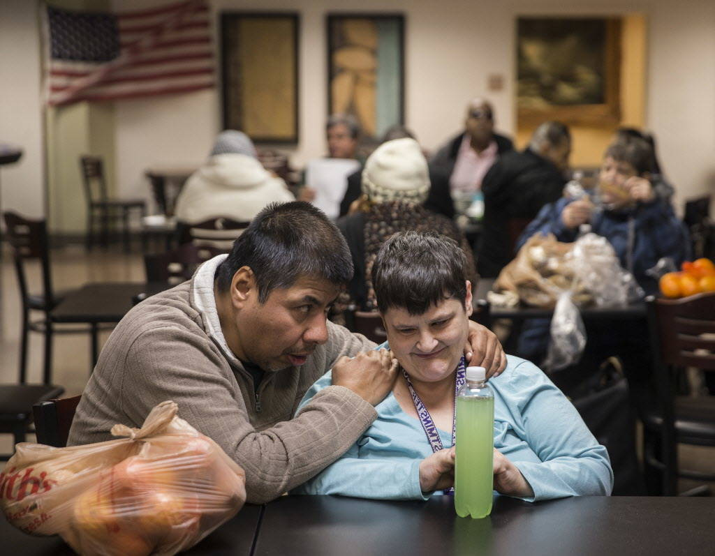 Danny Medrano, left, and Robin Braun talk during lunch in the cafeteria at the Blind Center of Nevada on Monday, Dec. 11, 2017, in Las Vegas. Benjamin Hager Las Vegas Review-Journal @benjaminhphoto