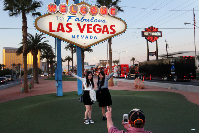 Tourists walk along the Las Vegas Strip in this file photo. (Sam Morris/Las Vegas Review-Journal)