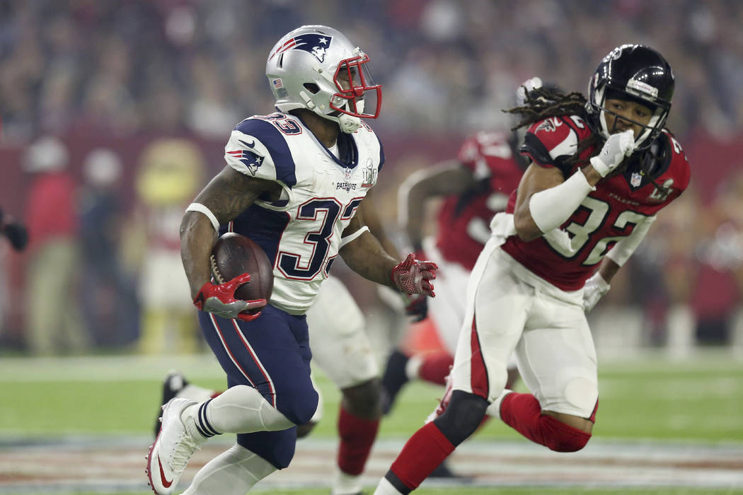 New England Patriots Dion Lewis #33 in action against the Atlanta Falcons at Super Bowl 51 on Sunday, February 5, 2017 in Houston, TX. (AP Photo/Gregory Payan)