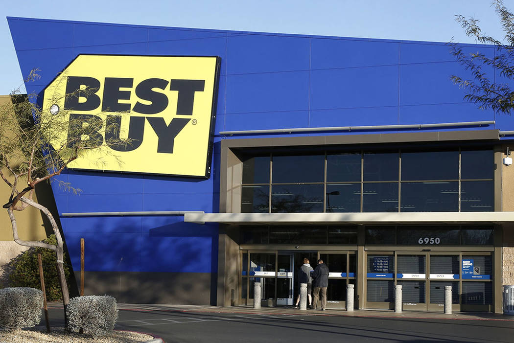 The Best Buy store at 6950 Arroyo Crossing, near the 215 Beltway and Rainbow Boulevard, in Las Vegas. (Las Vegas Review-Journal)