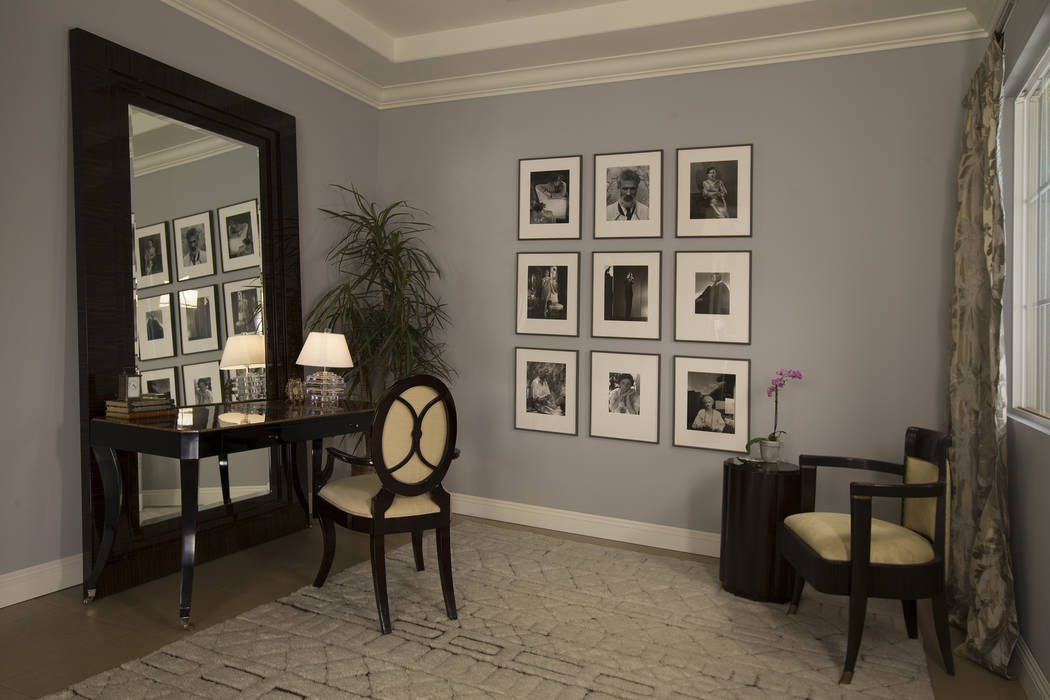 Willetts Design & Associates The golden age of Hollywood included several design styles that shared similar traits, two of which were art deco and Hollywood regency. Both include highly lacque ...