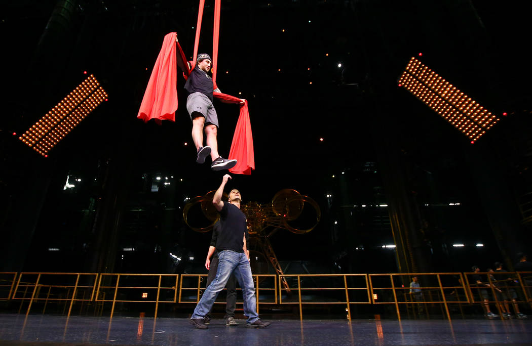 Golden Knights Brendan Leipsic participates in an off-ice recovery day workout with members of the Cirque du Soleil coaching staff at the Ka Theatre inside the MGM Grand in Las Vegas on Wednesday, ...