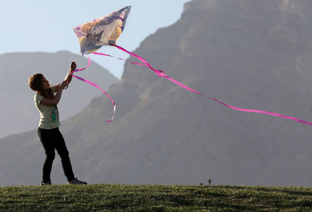 Cheyenne Guyeska, 7, of Las Vegas flies a kite in Fox Hill Park in Las Vegas, Sunday, Feb. 18, 2018. Chitose Suzuki Las Vegas Review-Journal @chitosephoto