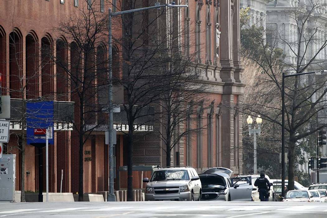 Secret Service responds to suspicious vehicle near White House staff building