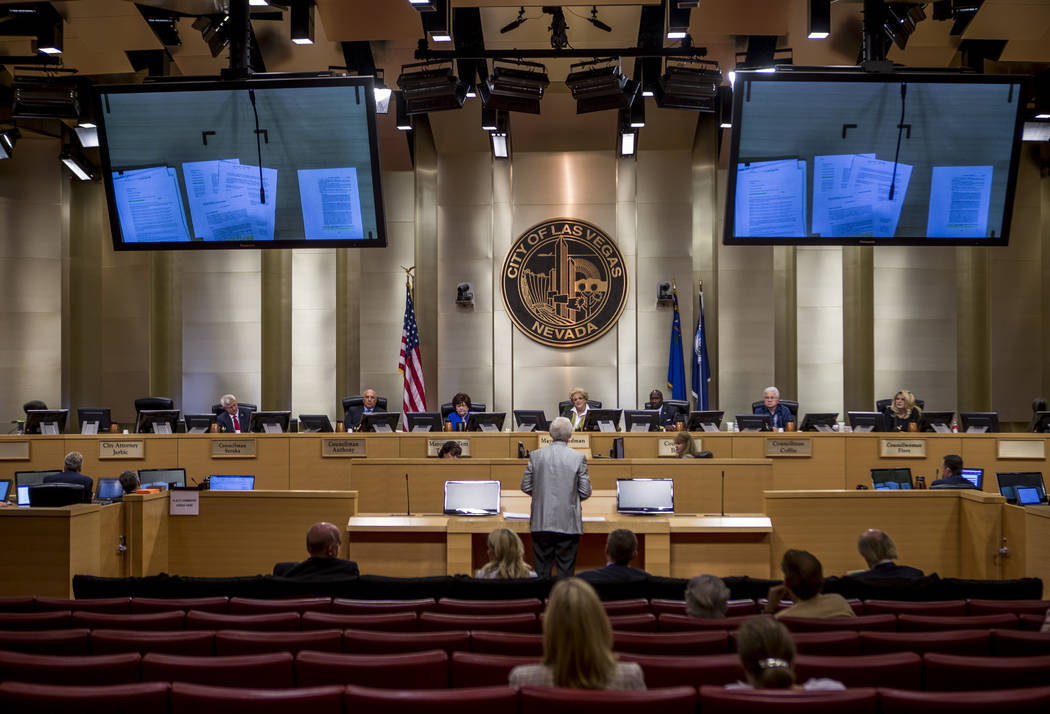 Attorney Frank Schreck voices his concerns about the Badlands golf course development to the City Council during a meeting at Las Vegas City Hall on Wednesday, August 2, 2017. (Patrick Connolly La ...