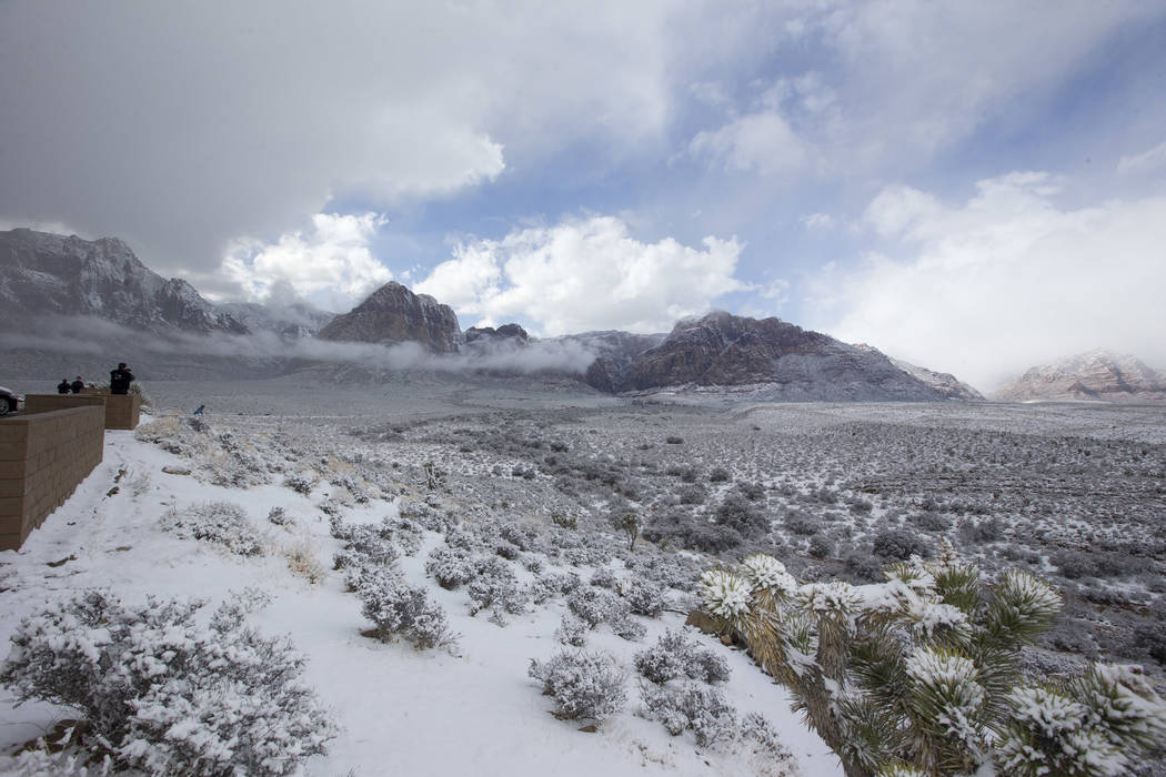 Snowfall at Red Rock Canyon Overlook on Friday, Feb. 23, 2018. Richard Brian Las Vegas Review-Journal @vegasphotograph
