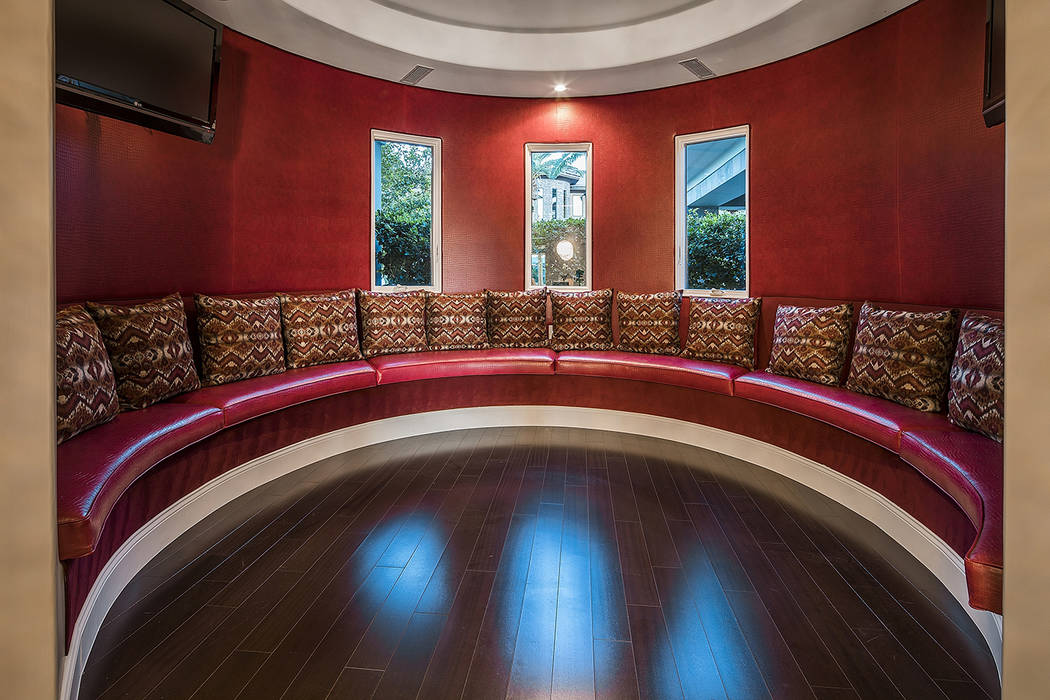 The home has a unique lounge area. (Shapiro & Sher Group)