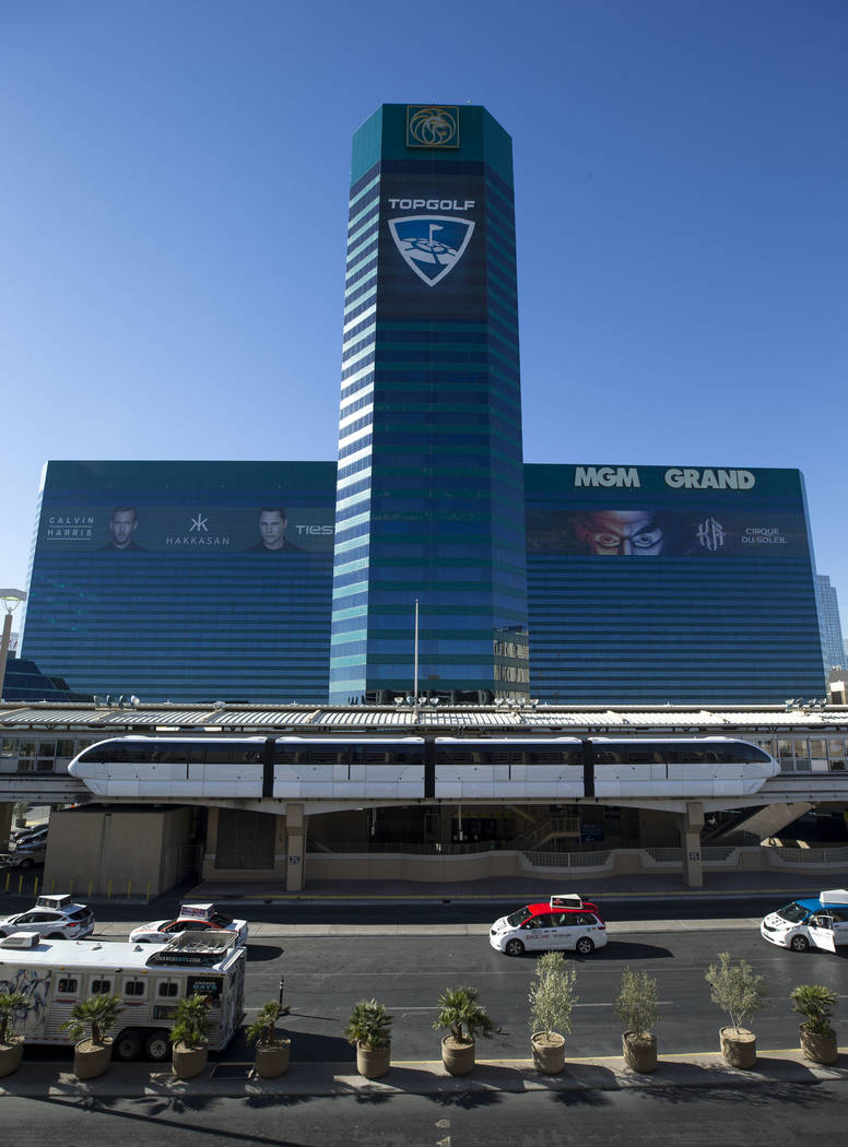 The Las Vegas Monorail departs from the MGM Grand on Friday, Dec. 15, 2017. Richard Brian Las Vegas Review-Journal @vegasphotograph