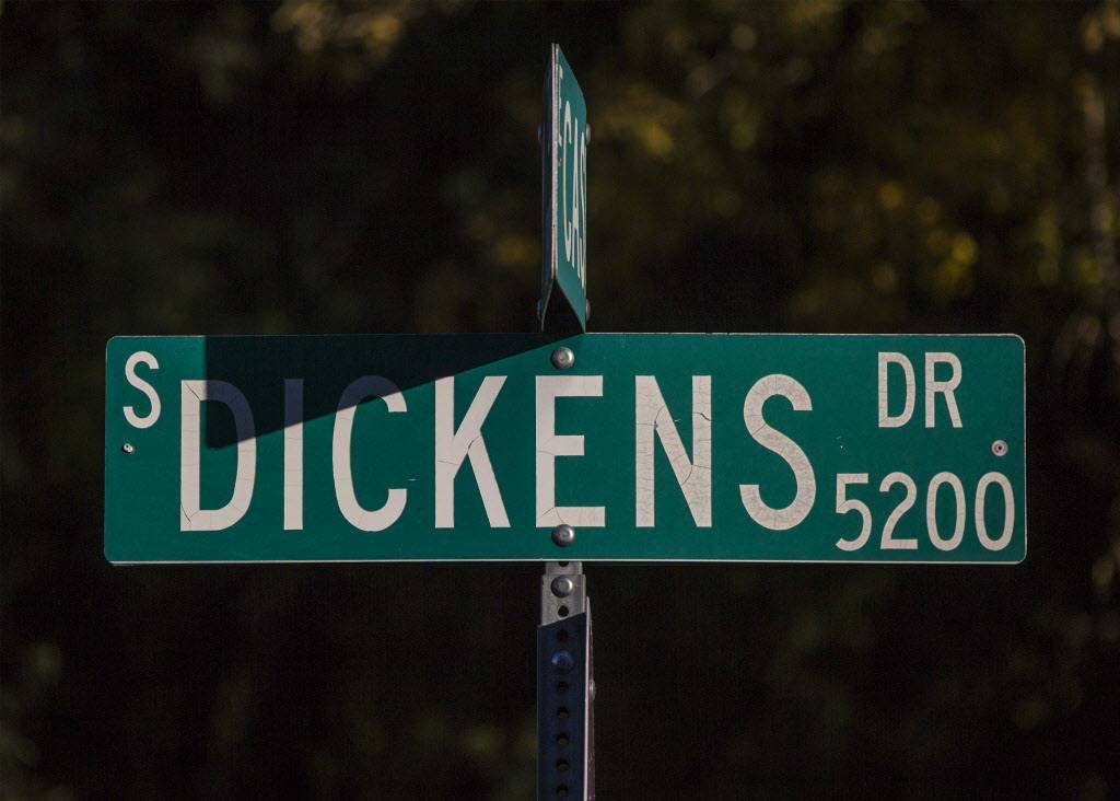 Dickens Drive on Wednesday, Dec. 20, 2017, in Las Vegas. Benjamin Hager Las Vegas Review-Journal @benjaminhphoto
