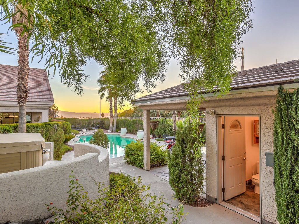 "Horizon Realty Group The home where ""Dancing with the Stars"" brother-and-sister combo of Derek and Julianne Hough grew up has been listed for $699,000."
