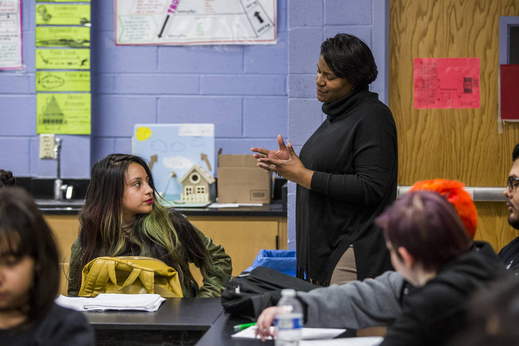 Mrs. Tawanda Butler works with students in her science class at Desert Pines High School on Wednesday, Jan. 10, 2018.  Patrick Connolly Las Vegas Review-Journal @PConnPie