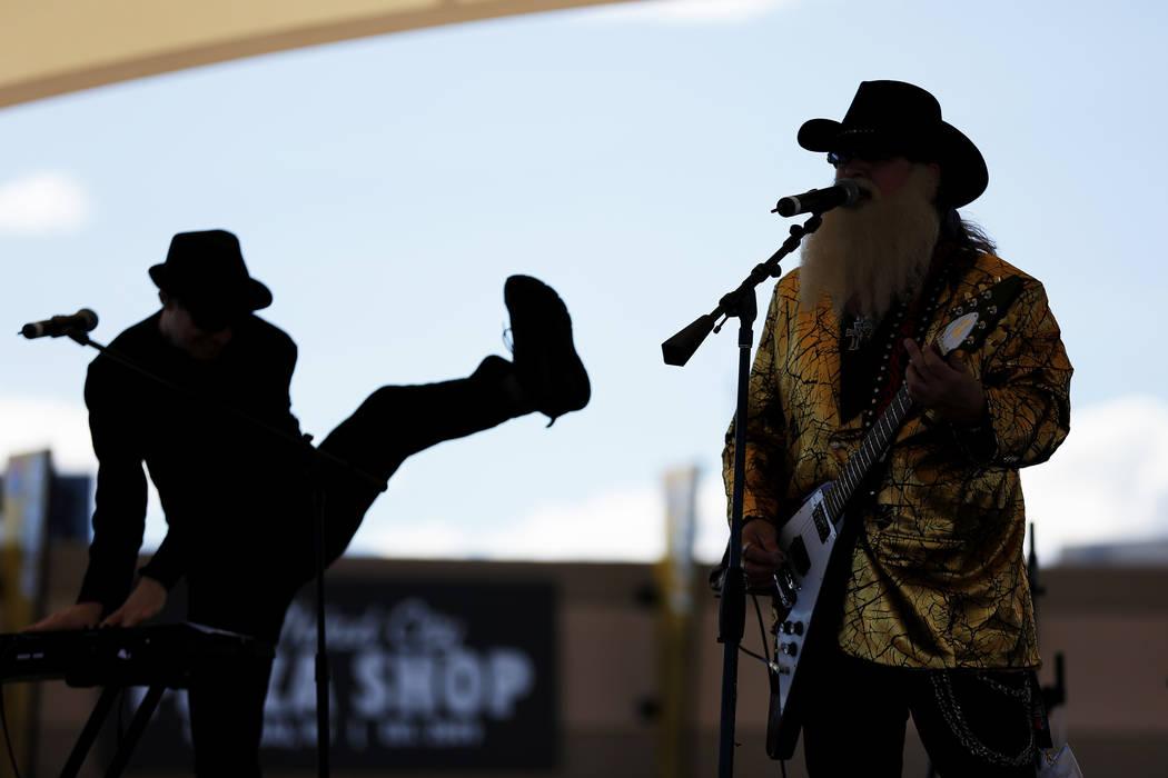Musicians perform at the Las Vegas Motor Speedway in Las Vegas on Friday, March 2, 2018. Andrea Cornejo Las Vegas Review-Journal @DreaCornejo