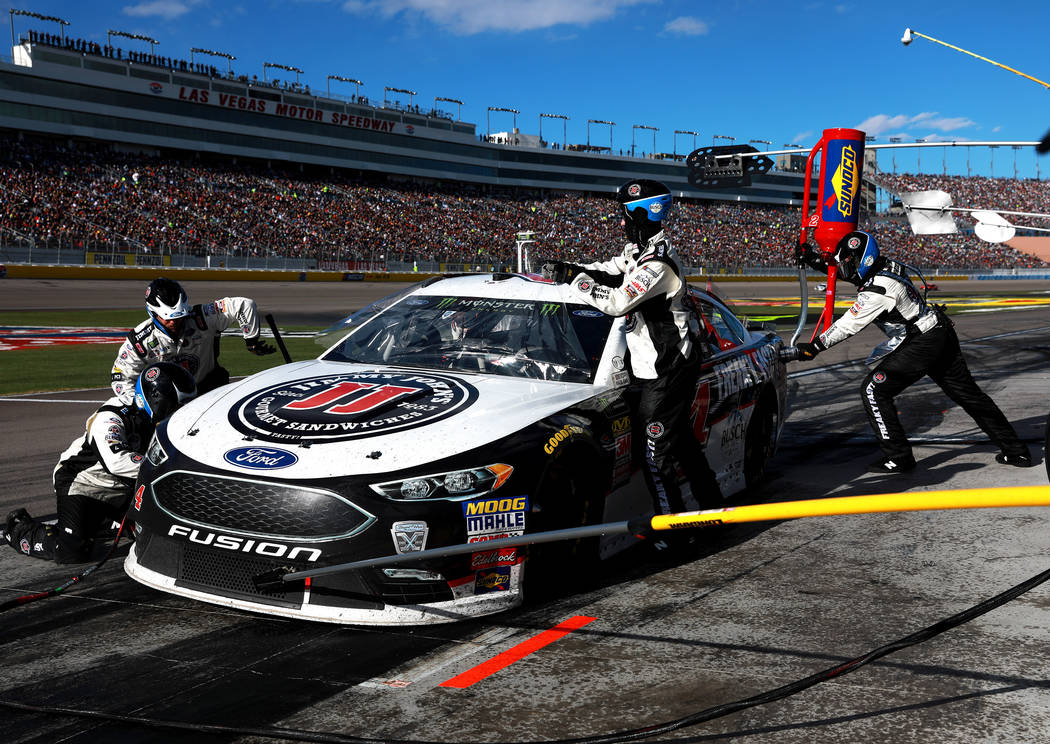 Kevin Harvick pits during the Pennzoil 400 at the Las Vegas Motor Speedway in Las Vegas on Sunday, March 4, 2018. Andrea Cornejo Las Vegas Review-Journal @DreaCornejo