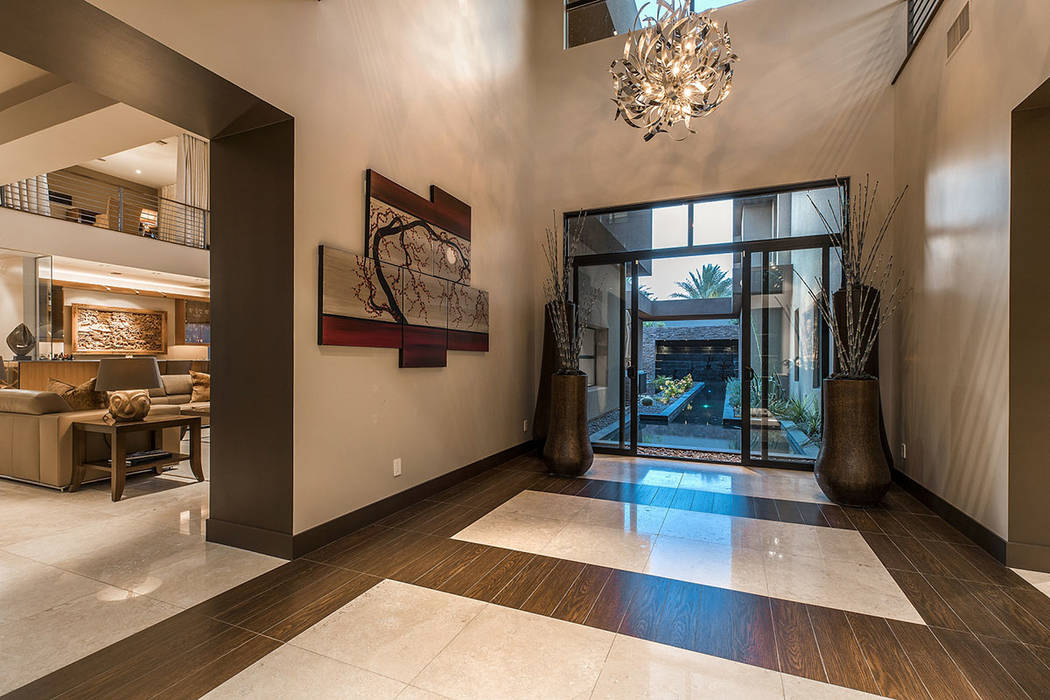 The foyer. (Shapiro & Sher Group)