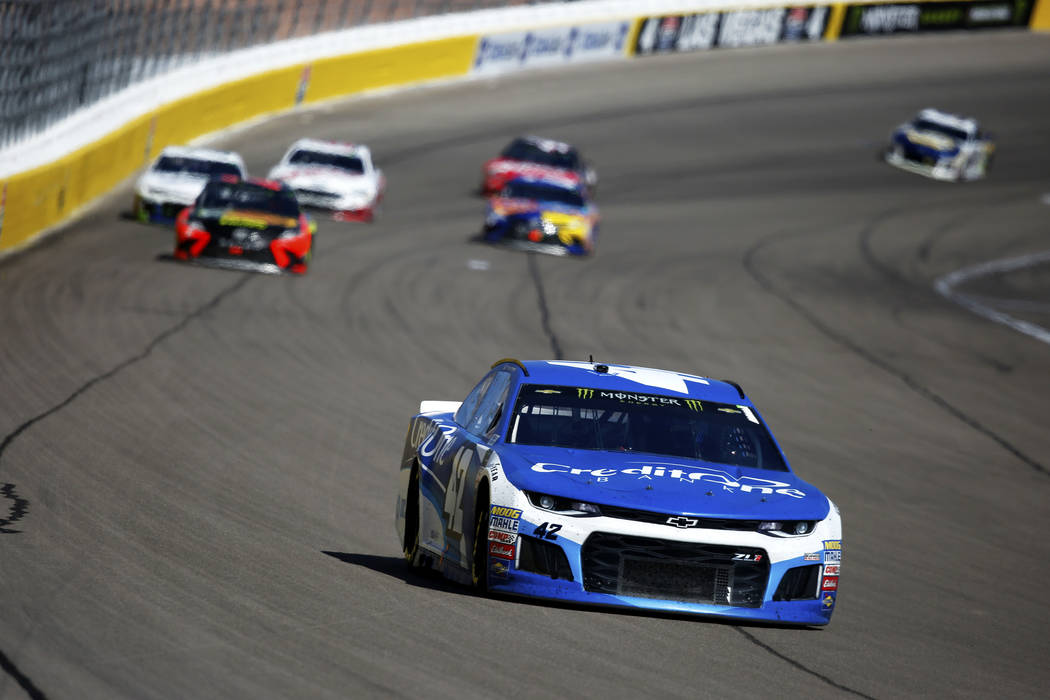 Kyle Larson (42) competes in the Monster Energy NASCAR Cup Series Pennzoil 400 auto race at the Las Vegas Motor Speedway in Las Vegas on Sunday, March 4, 2018. Andrea Cornejo Las Vegas Review-Jour ...