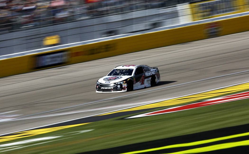 Kevin Harvick (4) competes in the Monster Energy NASCAR Cup Series Pennzoil 400 auto race at the Las Vegas Motor Speedway in Las Vegas on Sunday, March 4, 2018. Andrea Cornejo Las Vegas Review-Jou ...