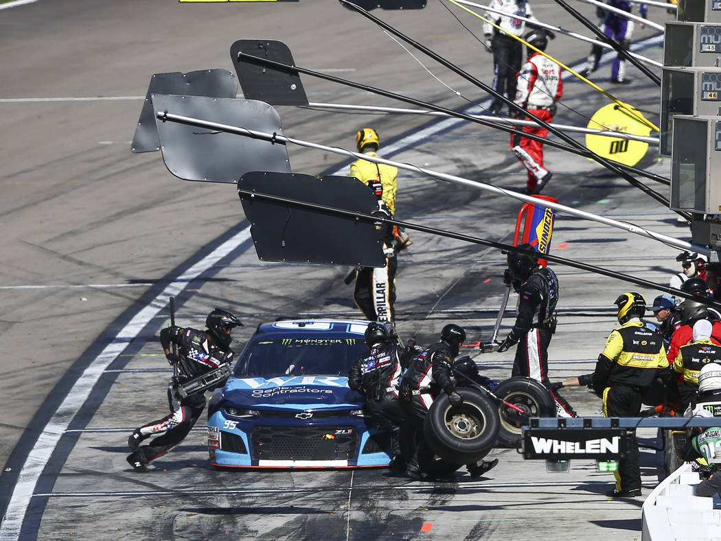 Kasey Kahne (95) makes a pit stop during the Monster Energy NASCAR Cup Series Pennzoil 400 auto race at the Las Vegas Motor Speedway in Las Vegas on Sunday, March 4, 2018. Chase Stevens Las Vegas  ...