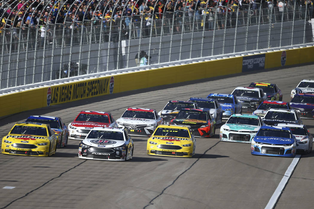 Kevin Harvick (4) leads the race during the Monster Energy NASCAR Cup Series Pennzoil 400 auto race at the Las Vegas Motor Speedway in Las Vegas on Sunday, March 4, 2018. Chase Stevens Las Vegas R ...