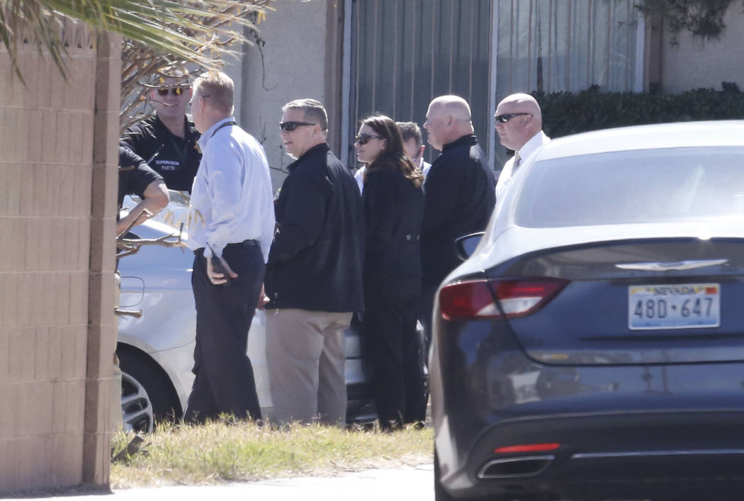 Las Vegas police investigate an apparent murder-suicide at Bridle Court and Lasso Circle, near Flamingo Road and Boulder Highway, on Tuesday, March 6, 2018, in Las Vegas. Bizuayehu Tesfaye/Las Veg ...