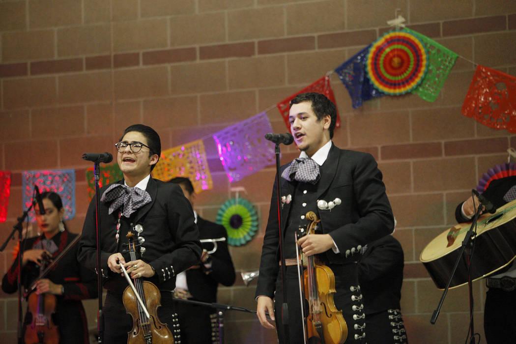 Las Vegas school steps into Mexican folk dancing— PHOTOS