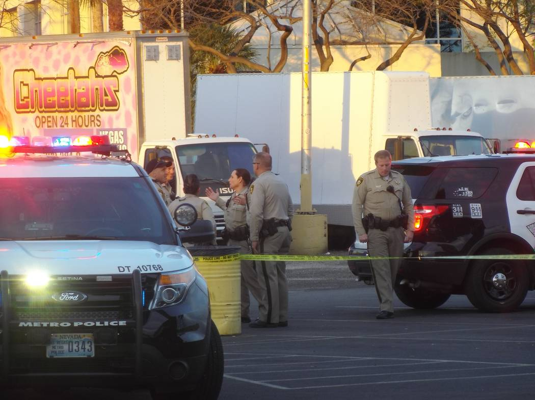 One man was arrested after a shooting in the parking lot of Cheetah's Las Vegas gentlemen's club, 2112 Western Ave., Monday, March 12, 2018. (Max Michor/Las Vegas Review-Journal)
