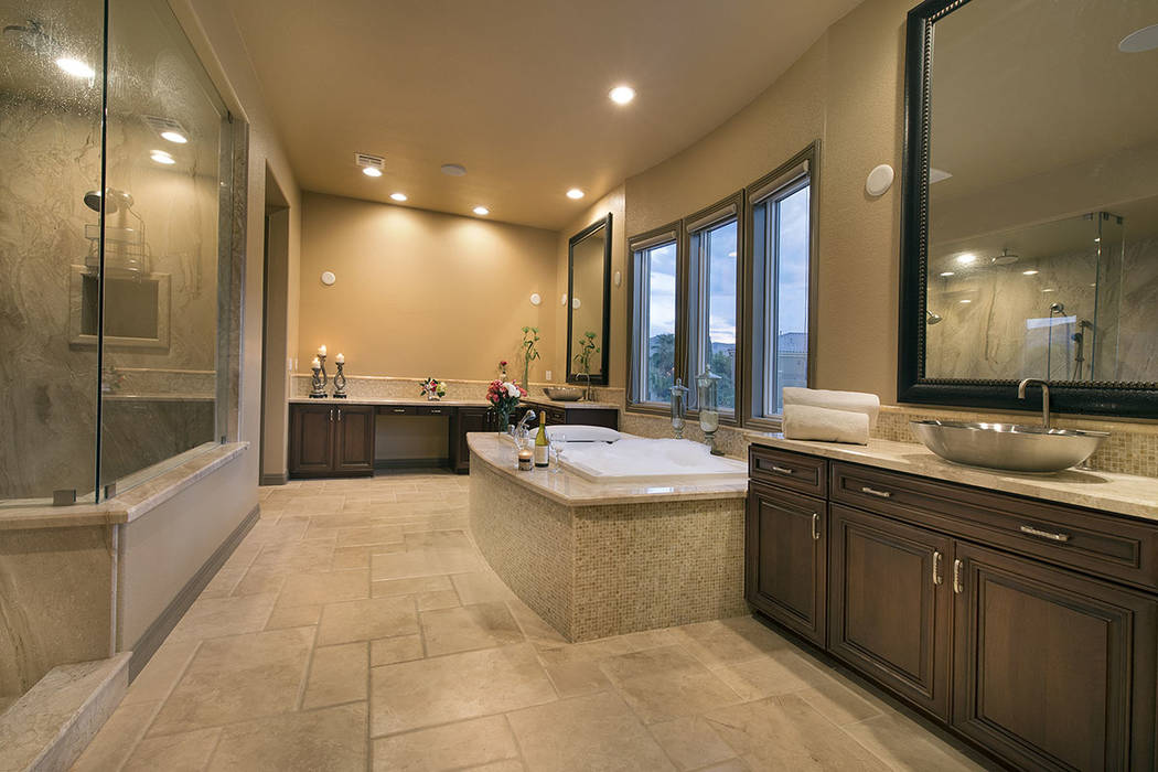 The master bath. (Synergy/Sotheby's International Realty)