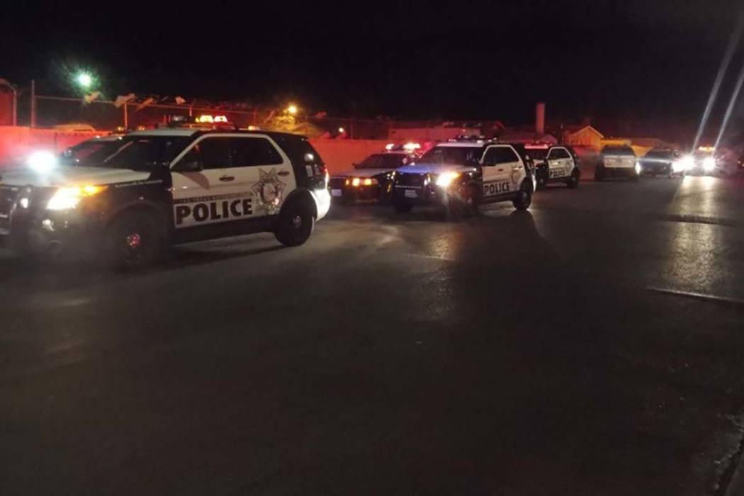 Las Vegas police are investigating a shooting that has left one man in the hospital with a head wound. (Max Michor/Las Vegas Review-Journal)