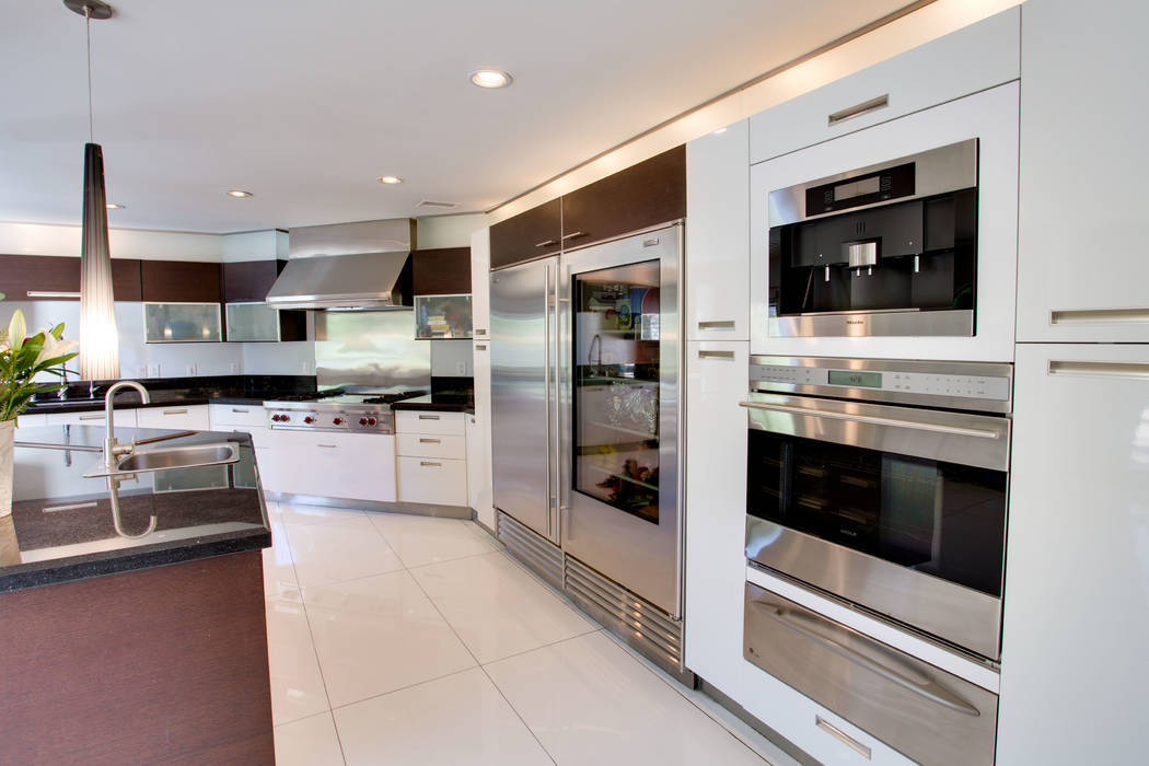 The kitchen includes a side-by-side Sub-Zero full refrigerator and full freezer. (Berkshire Hathaway HomeServices)