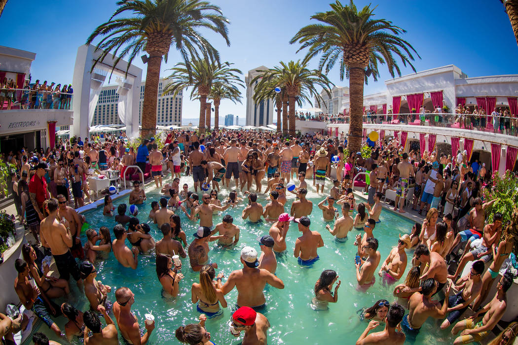 Locals Guide To Free And Unrestricted Las Vegas Pools